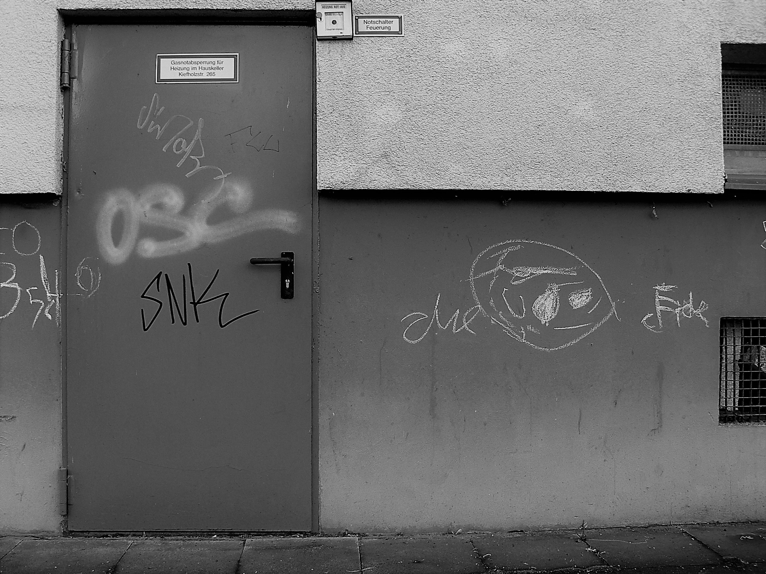 03666 | berliner mauern | berlin, black and white, tags