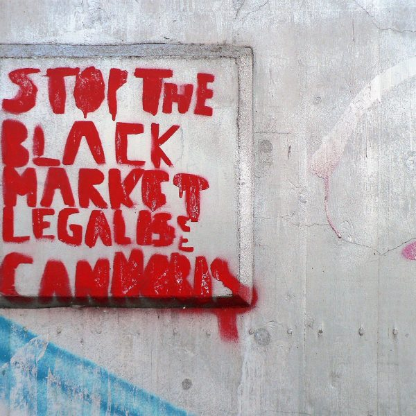 04602 | berliner mauern | berlin, stop the black market, streetart