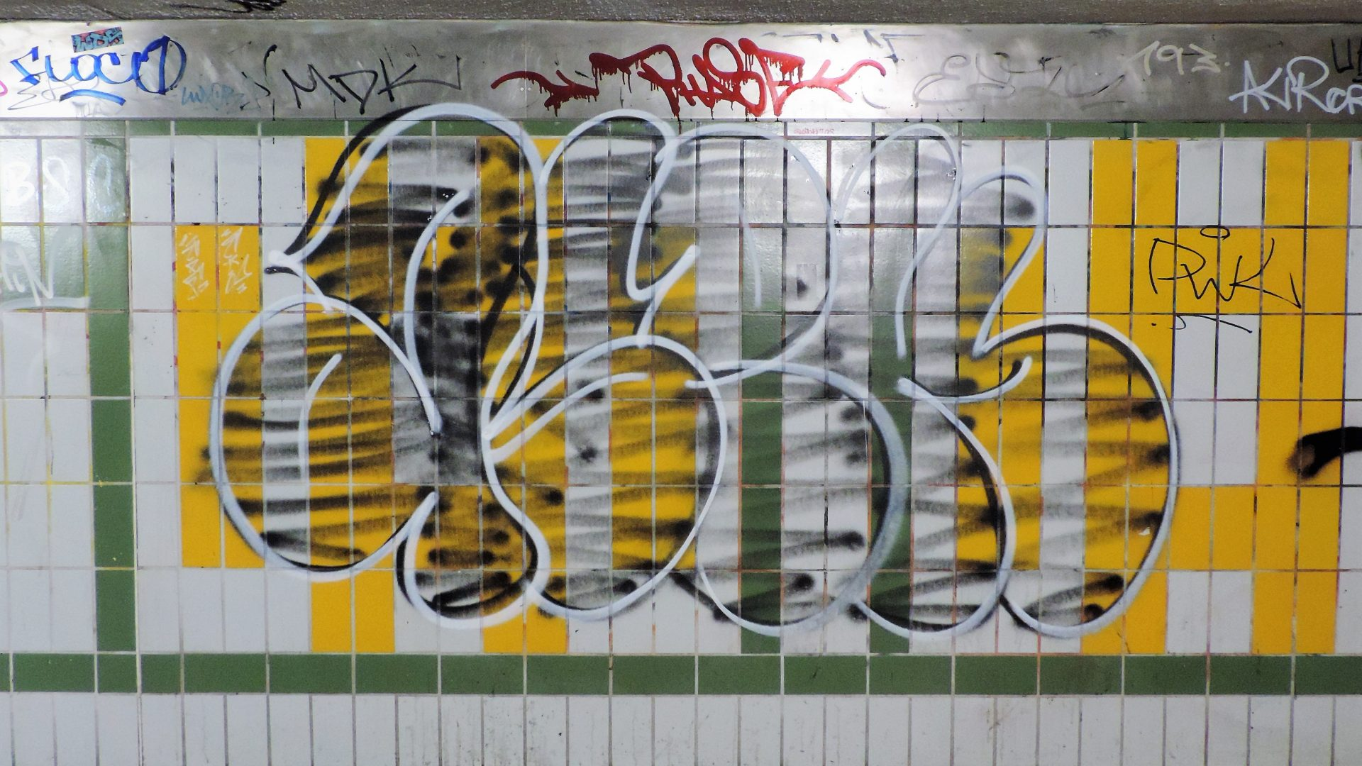 05776 | berliner mauern | berlin, graff, spraying