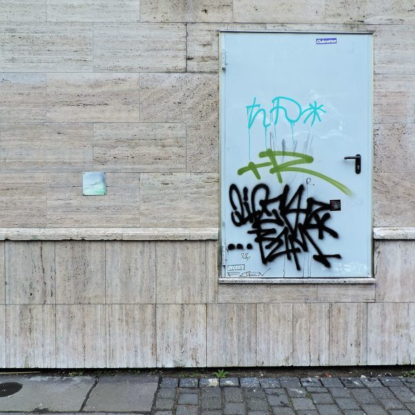 06034 | berliner mauern | tags