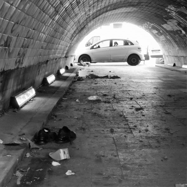 06248 | berliner mauern | berlin, don't step on my good shoes..., tunnel